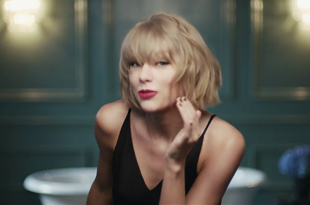 taylor-swift-jimmy-eat-world-the-middle-apple-music-ad-2016