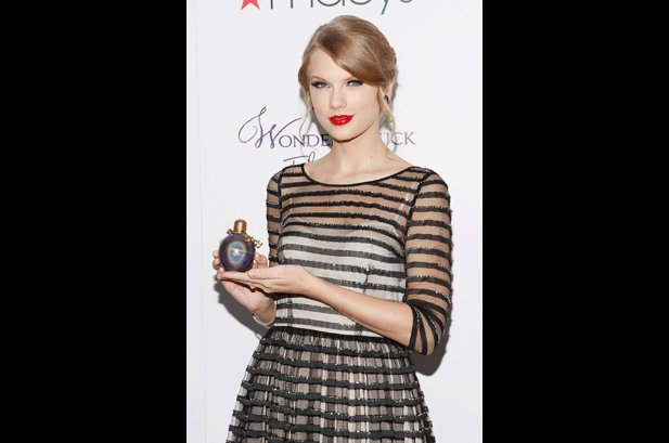 Taylor Swift Launches 'Wonderstruck' Perfume