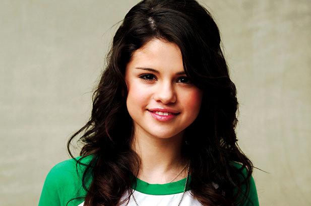 Billboard Bits: Selena Gomez's Twitter Account Hacked, Aventura's Romeo Signs Solo Deal