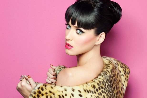 MTV EMAs Host Katy Perry Brings 'Cabaret' To Berlin