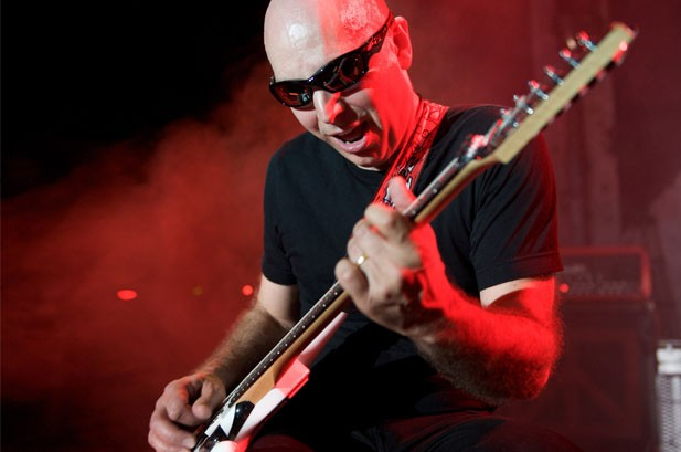 Joe Satriani Finds Shining Moments on 'Black Swans'