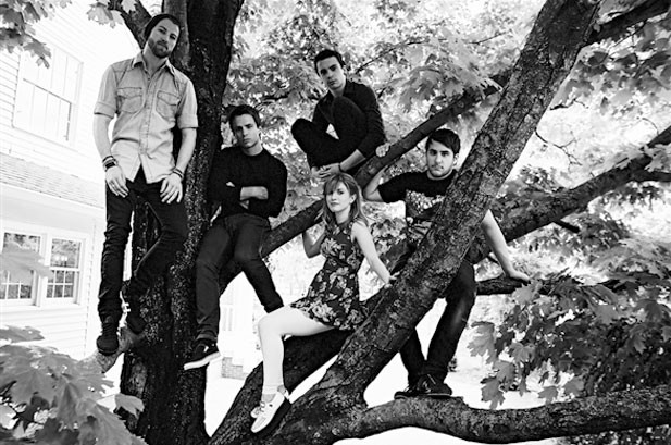 Paramore Scores First U.K. No. 1