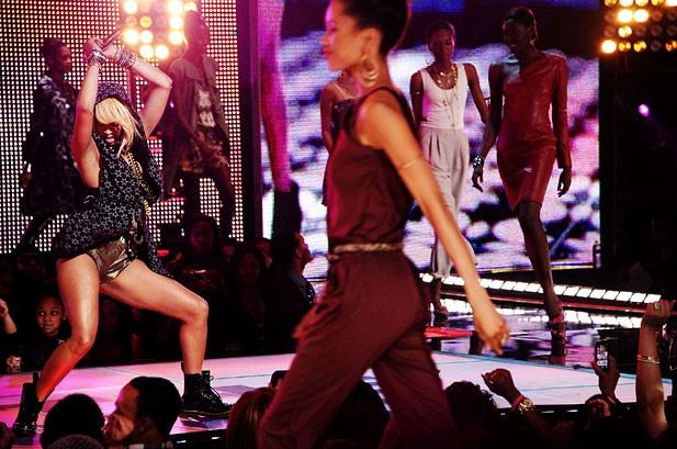 POTW: Justin Bieber, Lady Gaga, Christina Aguilera, Chris Brown