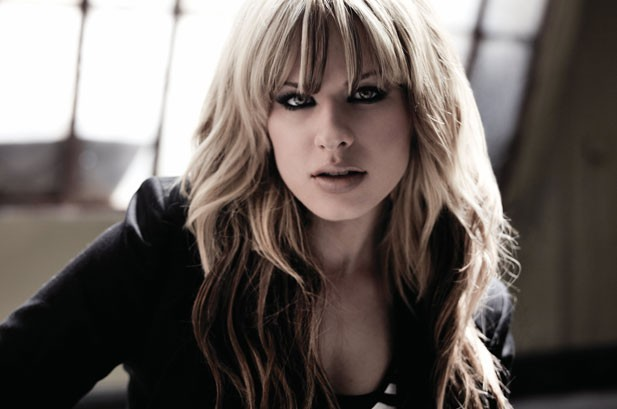 Orianthi Steps Out Of Michael Jackson's Shadow