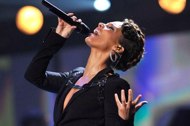 Adam Lambert's 'GMA' Performance Cancelled Over AMAs Flap