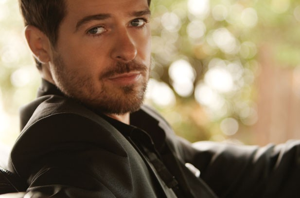 Robin Thicke Joins Alicia Keys on 'Freedom Tour'