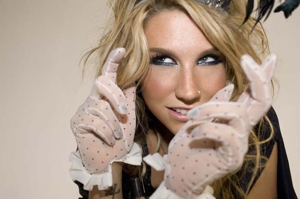 Ke$ha Holds Off Taylor Swift On Hot 100