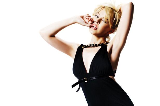 Kylie Minogue Tops U.K. Album Chart