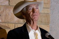 Country Music Hitmaker Carl Smith Dies At 82