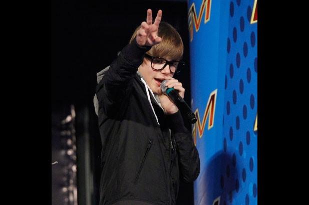 Justin Bieber To Top Billboard 200 Next Week