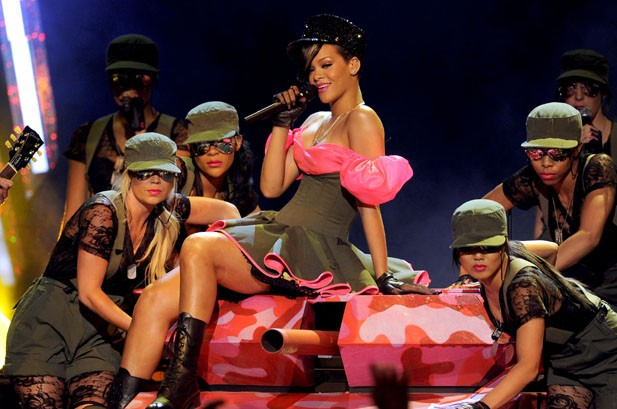 Cyrus Wins, Perry Gets Slimed at Kids' Choice Awards