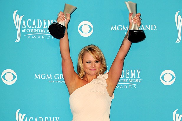 Carrie Underwood, Lady Antebellum Nab Big ACM Awards