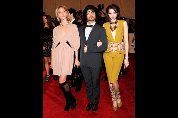 Katy Perry, Gwen Stefani Wear High Fashions to Met Gala
