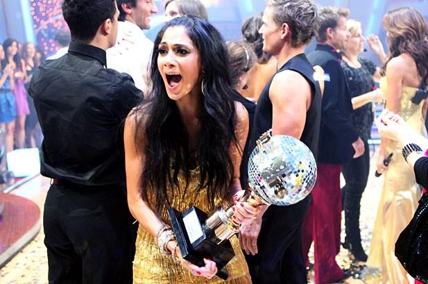Nicole Scherzinger Wins 'Dancing with the Stars'