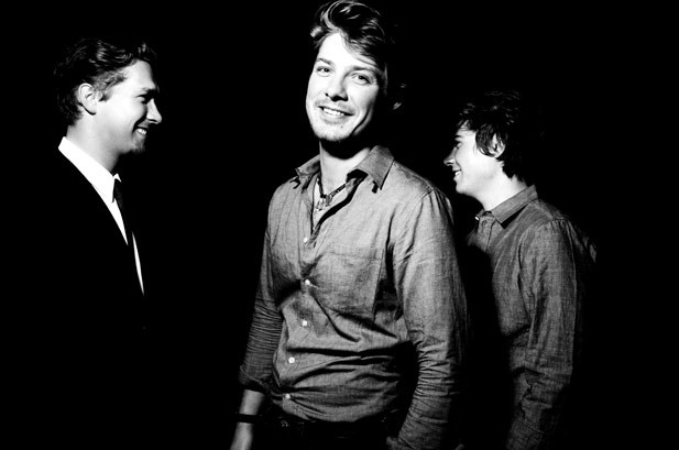 """Watch Hanson """"Shout It Out,"""" Hear The Full Album Early"""