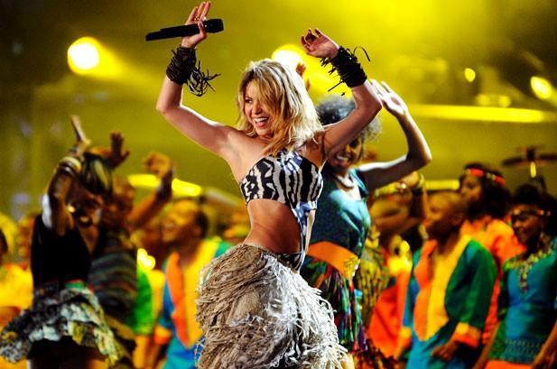 POTW: Shakira, Lady Gaga, Kanye West, Christina Aguilera