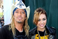 Miley Cyrus and Bret Michaels Duet on 'Good Morning America'