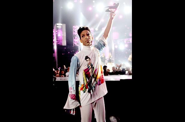 Chris Brown Cries During Michael Jackson Tribute at BET Awards
