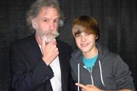 Billboard Bits: Justin Bieber Meets the Dead, Perry's 'Teenage Dream' Leaks
