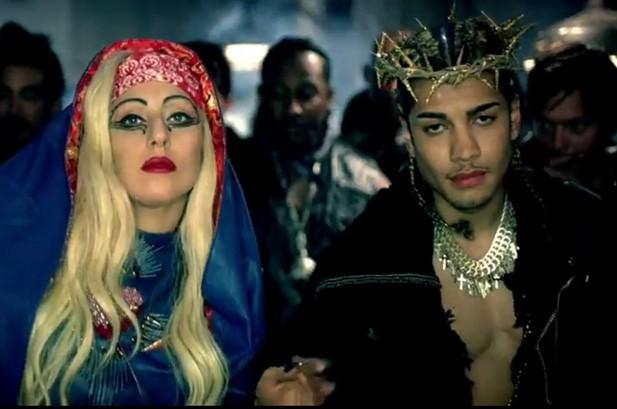 Gaga Dethrones Bieber, LMFAO 'Shuffles' onto Social 50 Chart