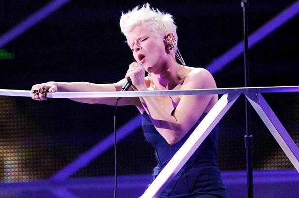 Lady Gaga Wins 8 MTV VMAs, Reveals 'Born This Way' Album Title