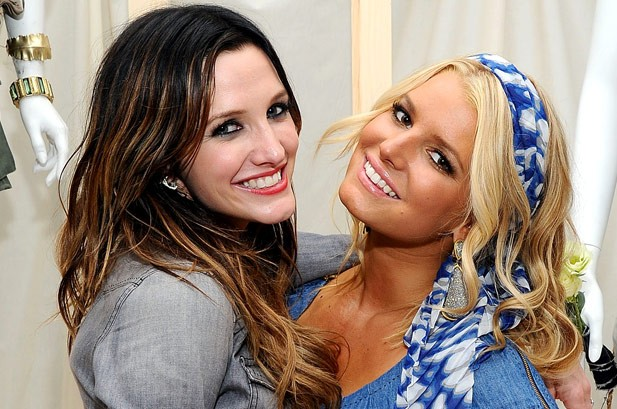 Jessica and Ashlee Simpson To Launch Tween Clothing Line