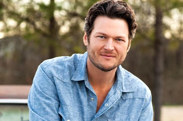 Blake Shelton's 'River' Runs to No. 1 on Billboard 200