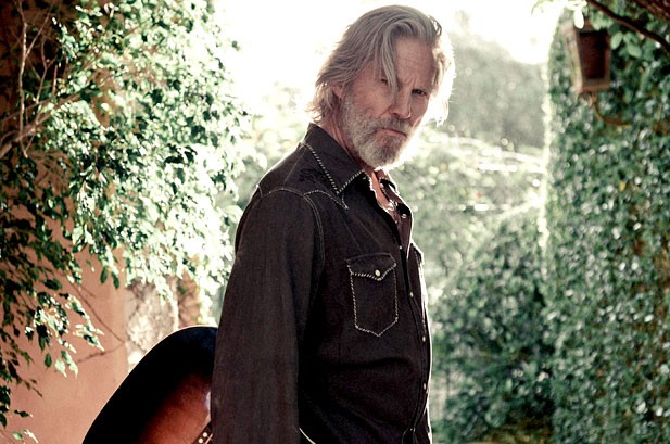 Weekly Chart Notes: Jeff Bridges, Christina Aguilera, Gloria Estefan