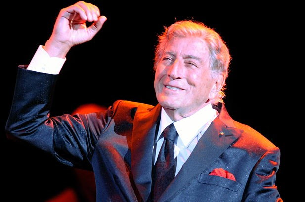 Tony Bennett, 85, Achieves First No. 1 Album on Billboard 200