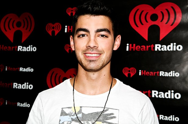Billboard Bits: Joe Jonas Teams Up with Lil Wayne, Tupac Sex Tape Leaks?
