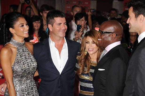 'X Factor' Has Glitzy Premiere, Complete With Simon-Paula Bickering