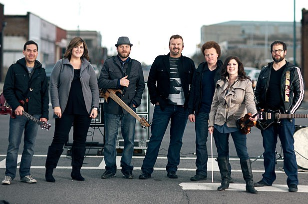 Casting Crowns Scores Top Billboard 200 Debut, Adele Back at No. 1