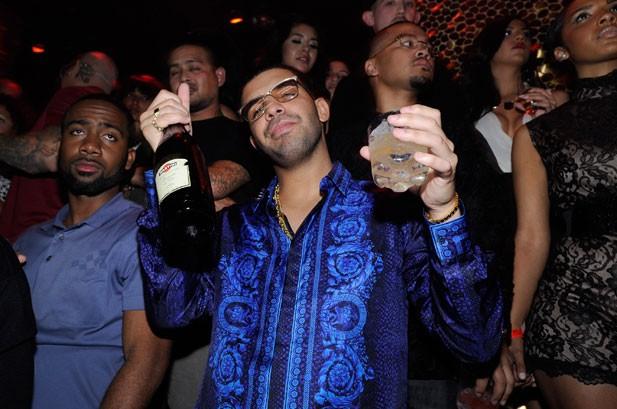 Drake Debuts 'The Motto,' T.I.'s 'Headlines' Remix & Talks Kendrick Lamar Feature
