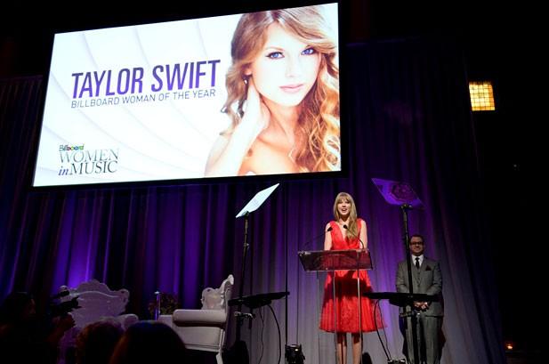 Taylor Swift, Nicki Minaj Honored at Billboard's Women in Music Event