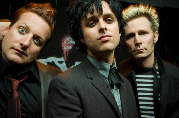 The Beat: Green Day's Album Trilogy, 2NE1 Tops K-Pop