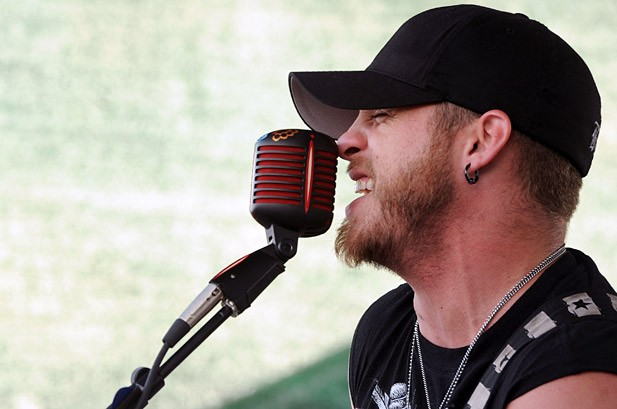 Country Countdown: Brantley Gilbert's 'Know' Hits No. 1