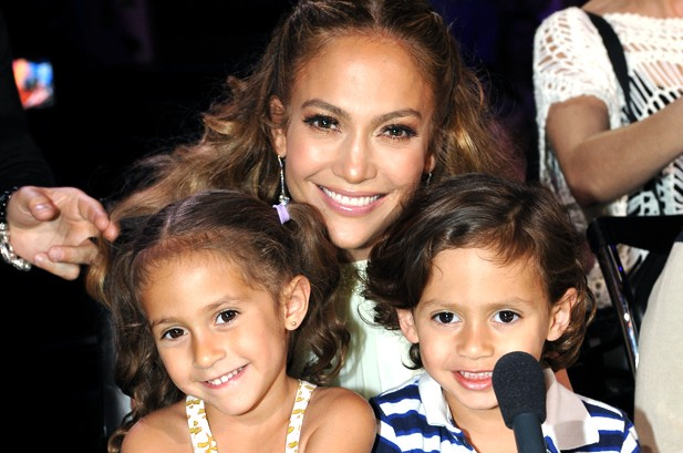Photos: Music's Hottest Moms