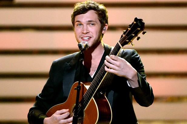 'American Idol' Winner Phillip Phillips Undergoes Surgery