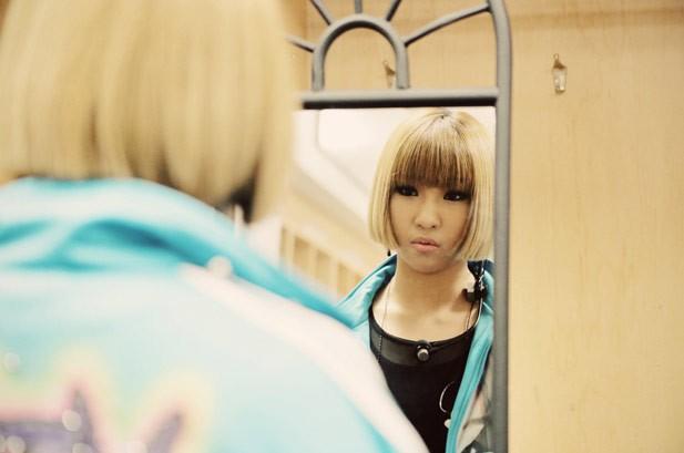 2NE1 Behind The Scenes: Photos