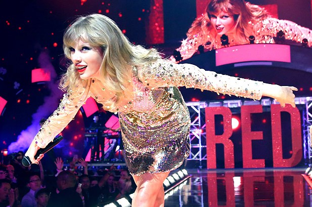 Taylor Swift Lands 1 And 2 On Revised Country Songs Chart Billboard