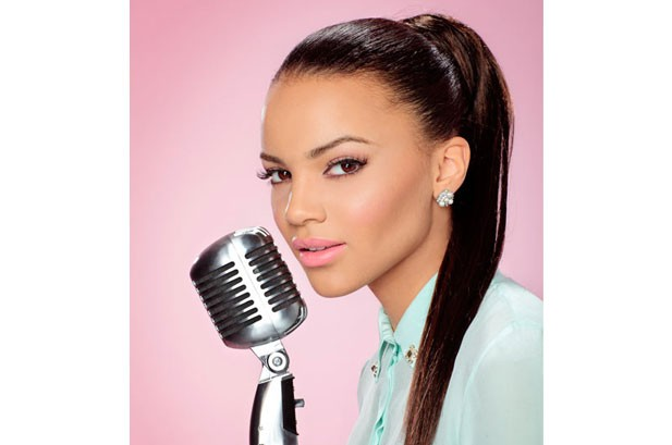 Leslie Grace Youngest Woman To Top Latin Airplay Chart