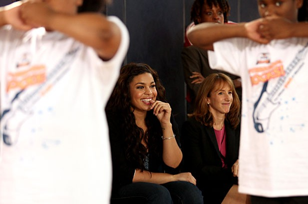 POTW: Gwen Stefani, Shakira, Kanye West, Jennifer Lopez