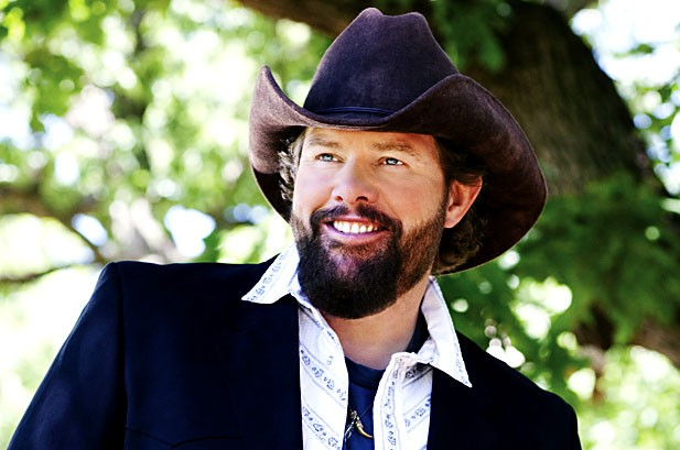 Toby Keith's 'Gun' Fires at No. 1 on Billboard 200