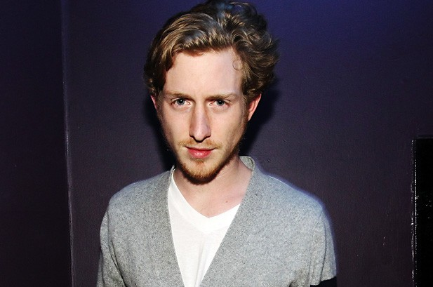 The 34-year old son of father (?) and mother(?) Asher Roth in 2020 photo. Asher Roth earned a million dollar salary - leaving the net worth at million in 2020