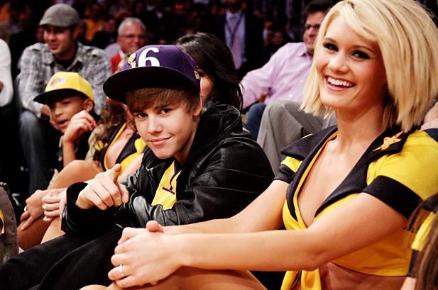 Billboard Bits: Bieber Sports Lakers Championship Ring, Janet Jackson Reveals Breast Binding