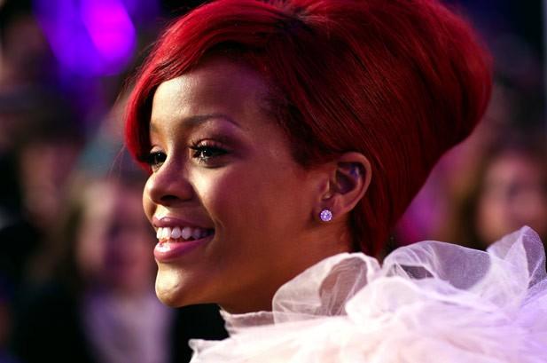 Rihanna Breaks Pop Songs No. 1 Record