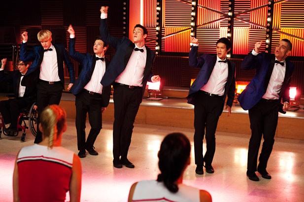 Weekly Chart Notes: 'Glee,' Black Eyed Peas, Susan Boyle