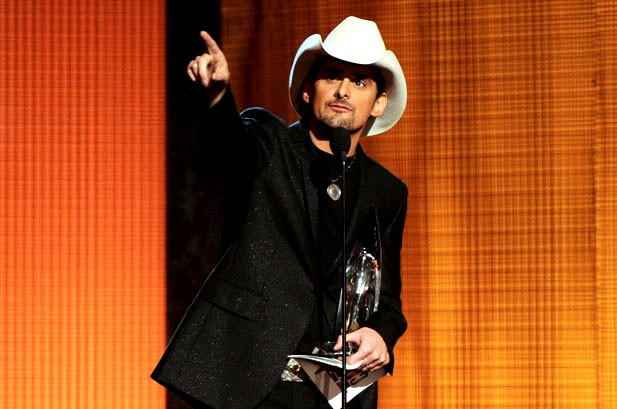Brad Paisley Wins Entertainer of the Year at CMA Awards