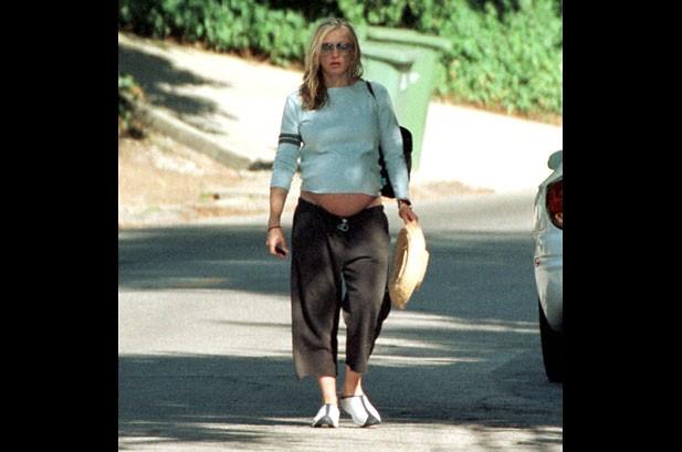 Jessica Simpson to Design a Maternity Line