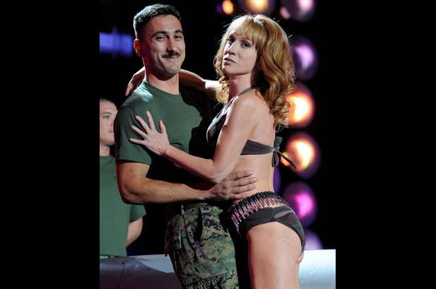 Katy Perry Leads All-Star Cast at 'VH1 Divas Salute the Troops'
